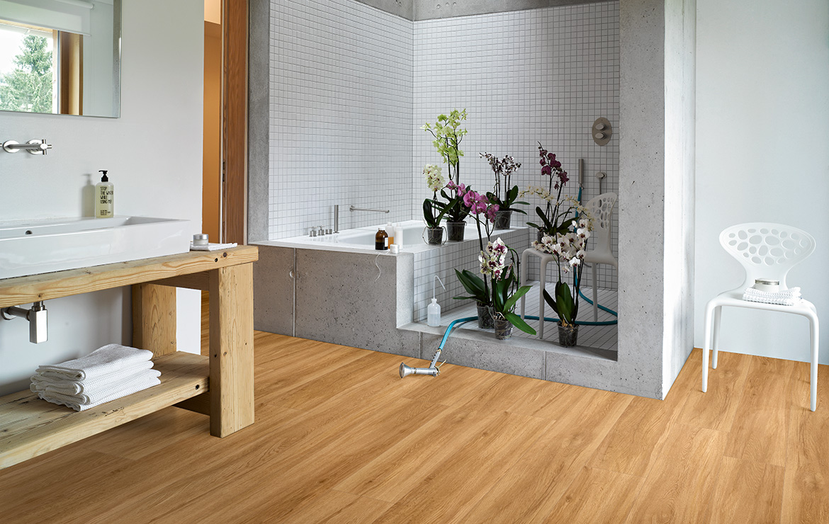 Bathroom floor design with wood effect vinyl flooring Parador Basic 5.3 Sierra Oak 1209x225x5.3mm.