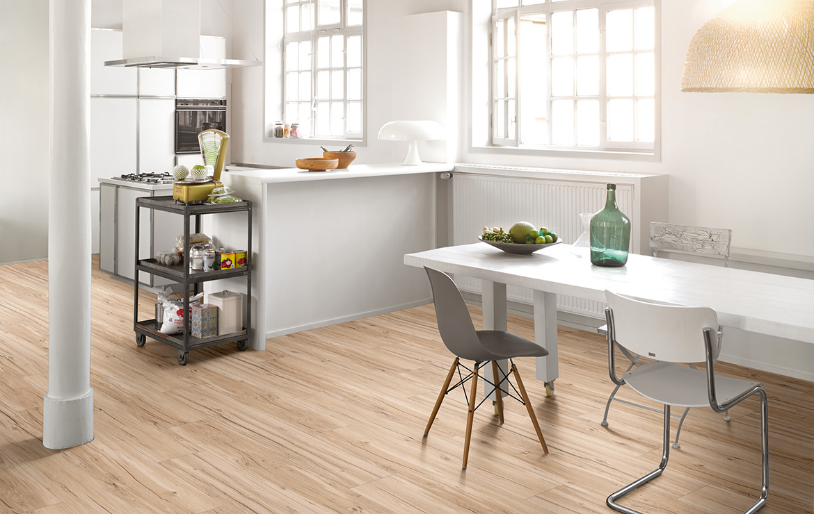 Kitchen interior design with wood effect vinyl flooring Parador Basic 5.3 Memory Sanded Oak 1209x225x5.3mm.