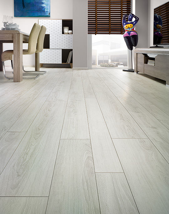 Solid / Solid Plus. 12mm laminate wood flooring with abrasion resistance AC6. View collection.